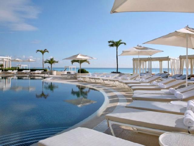 luxury hotel cancun Photo
