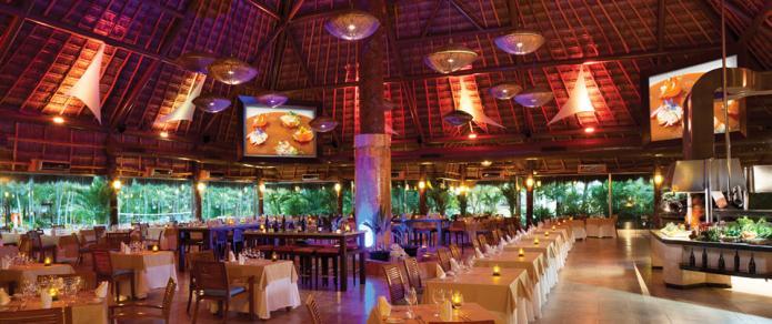 El Dorado Royale Riviera Maya Mexico - Fuentes Theater Restauran