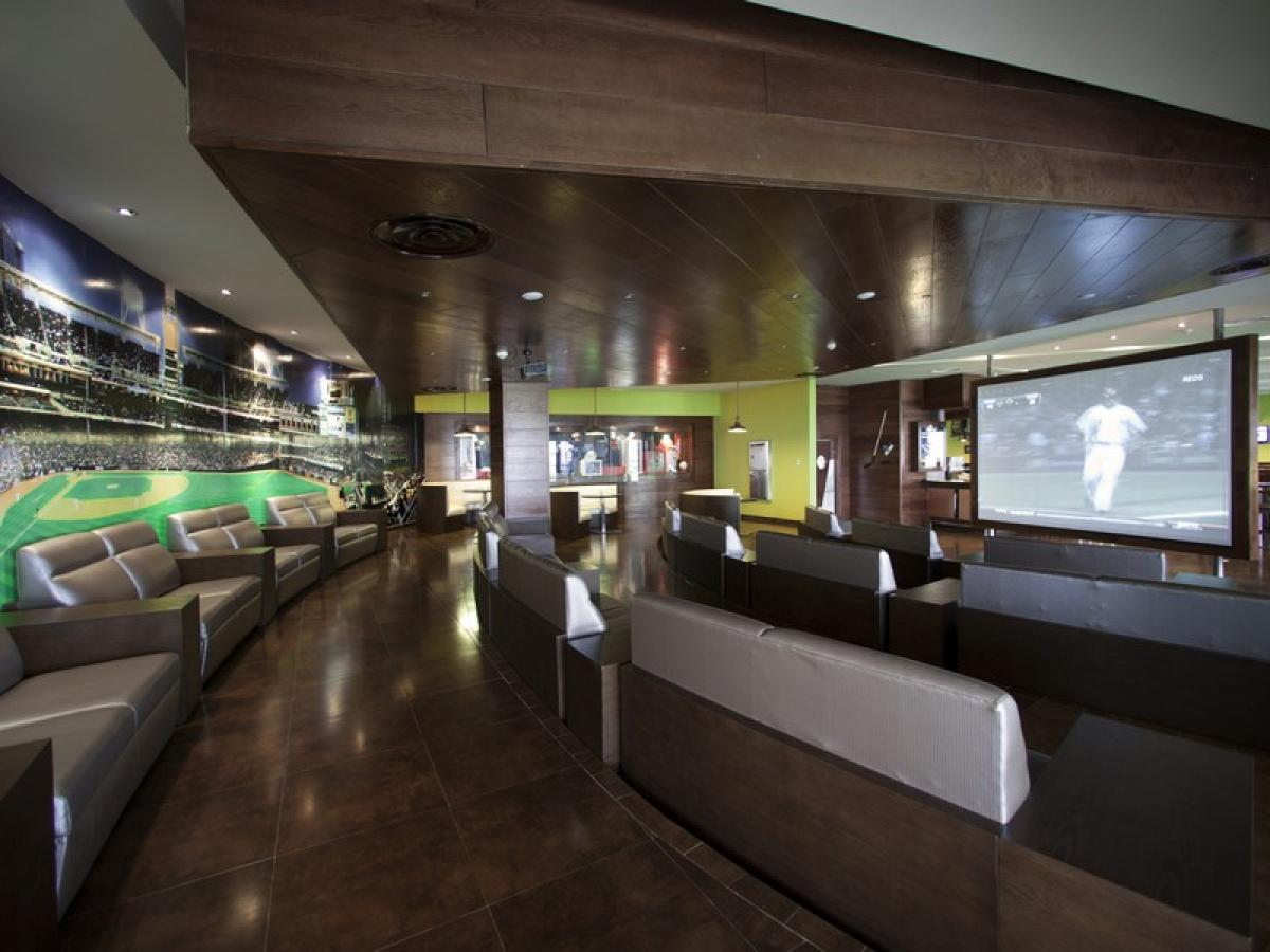 Barcelo Bavaro Palace Punta Cana Dominican Republic - Strikers Sports Bar