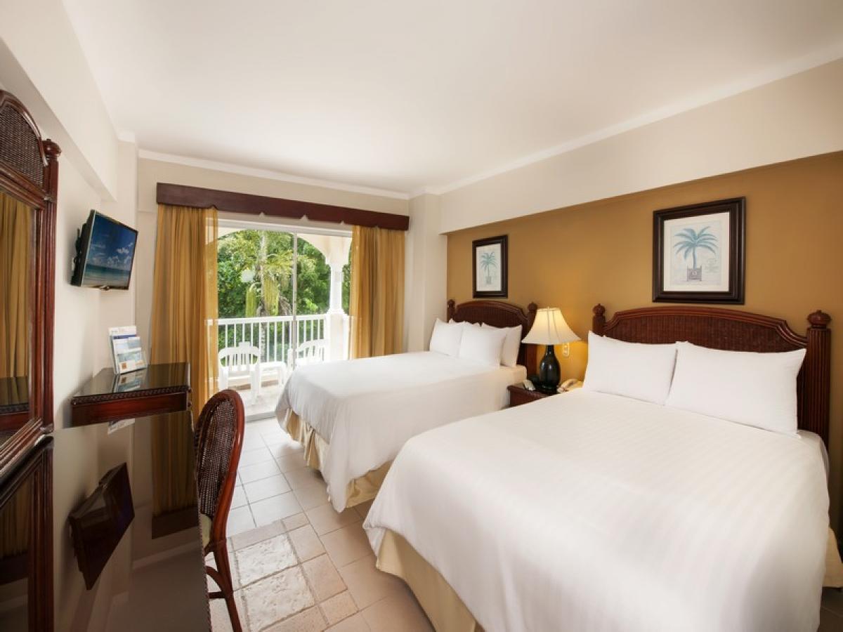 Мини отель в доминикане баваро купить