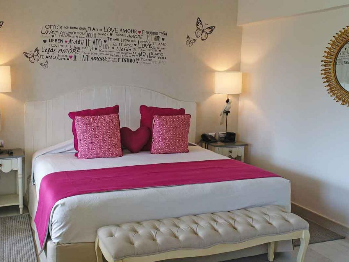 Catalonia Bavaro Beach, Golf & Casino Resort - Privileged Romance