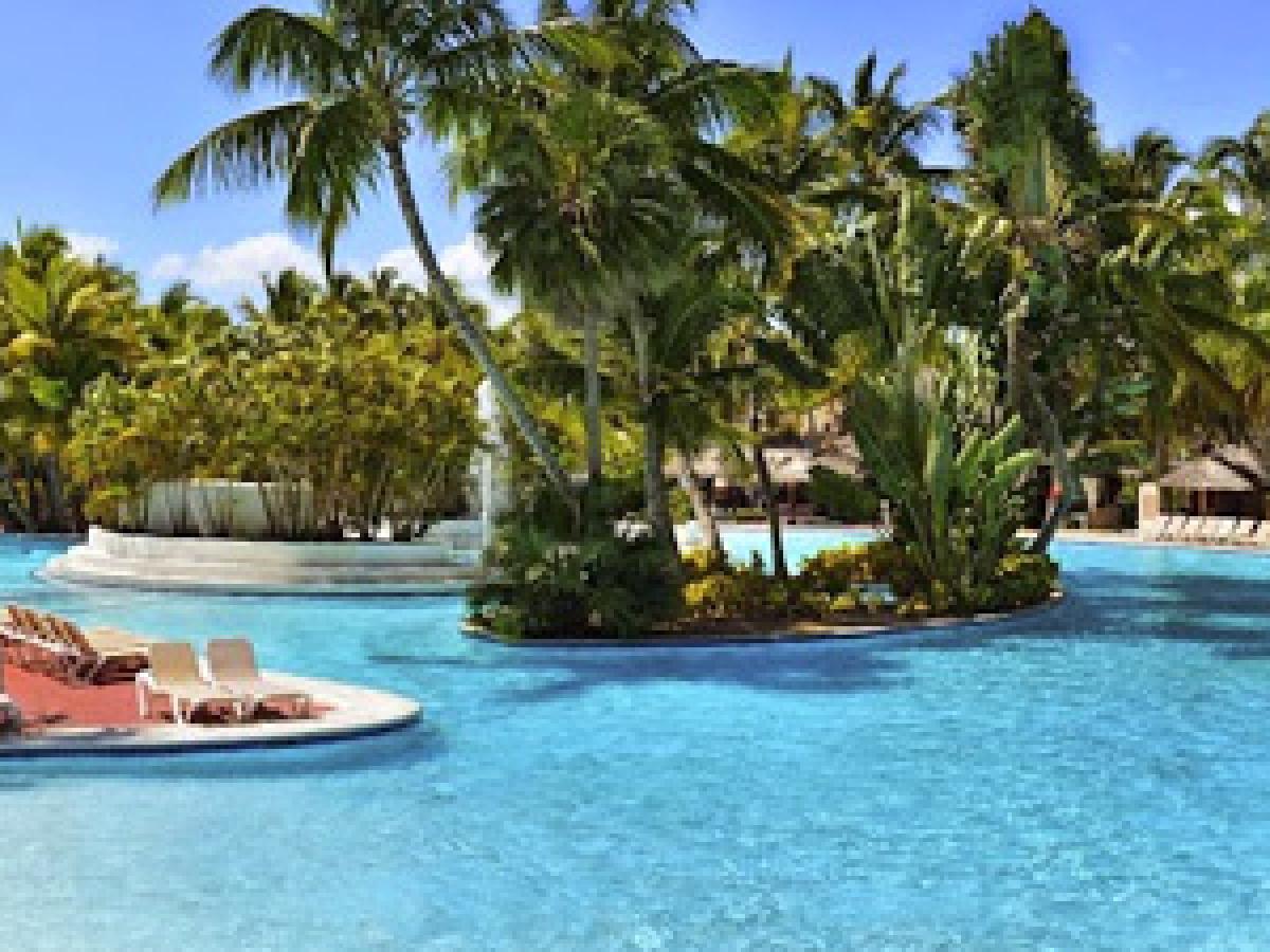 Stsvacations catalonia bavaro beach golf casino resort for Punta cana dominican republic vacation