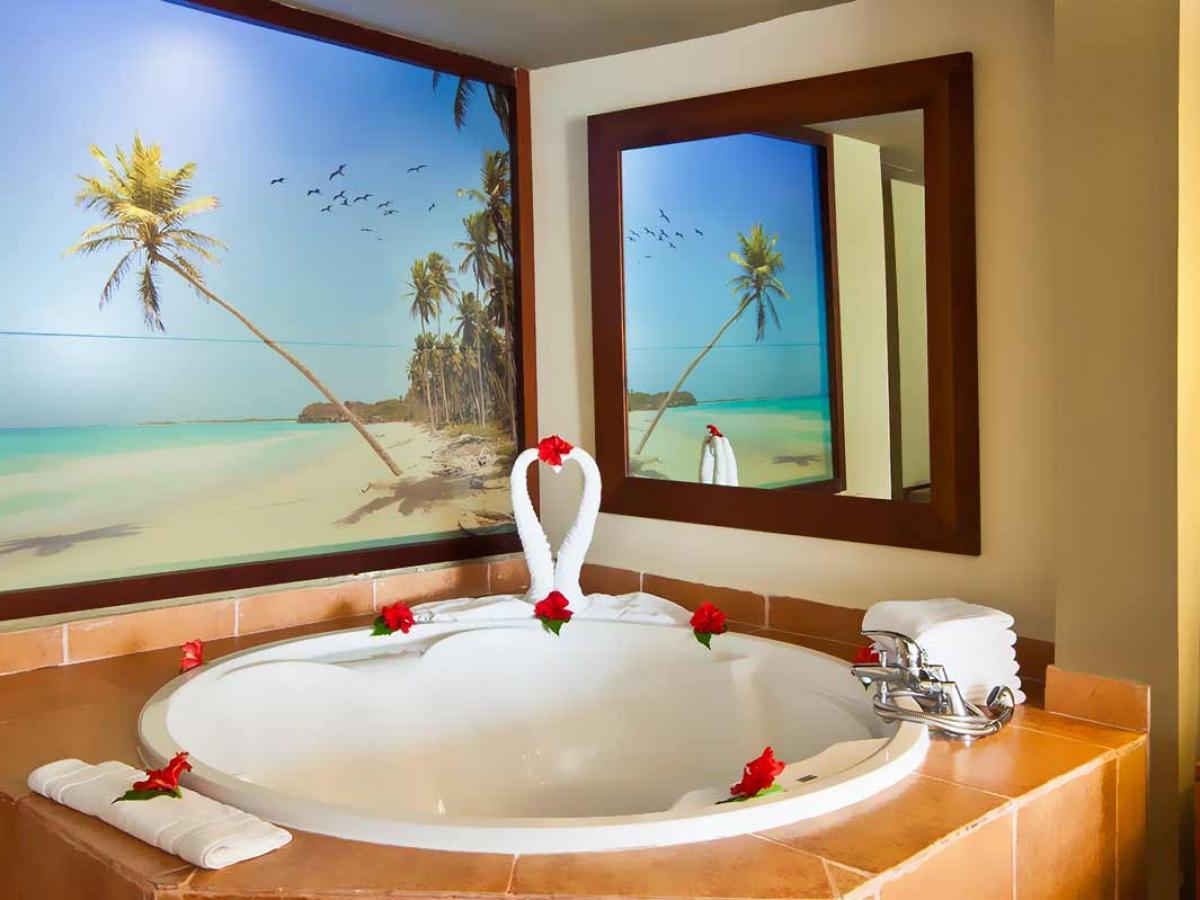 Catalonia Royal Bavaro Punta Cana - Royal Honeymoon Junior Suite