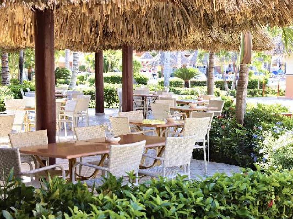 Grand Bahia Principe Bavaro Punta Cana - Pool Restaurant