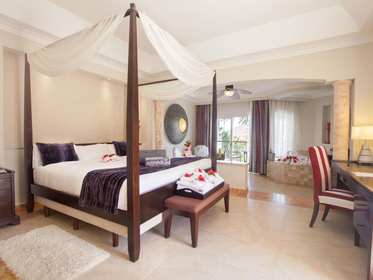 Majestic Elegance Punta Cana Dominican Republic - Elegance Club Junior Suite wit