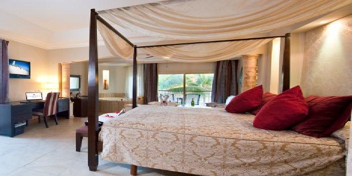 Majestic Elegance Punta Cana Dominican Republic - Colonial Junior Suite Outdoor