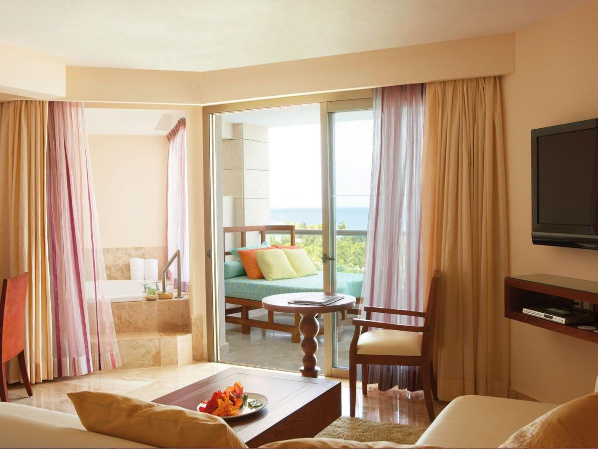 Majestic Elegance Punta Cana Dominican Republic - One Bedroom Suite with Jacuzzi