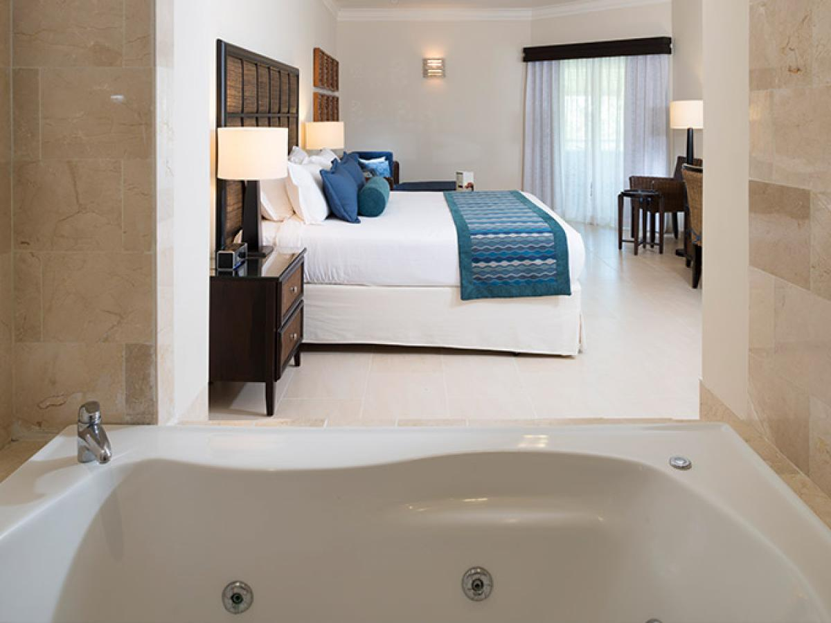 Memories Spash Punta Cana Dominican Republic - Premium Jacuzzi Junior Suite