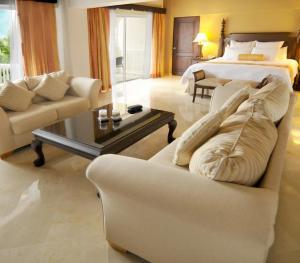 Occidental Caribe Punta Cana - Family Room