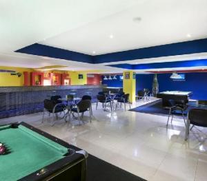Occidental Caribe Punta Cana - Sports Bar
