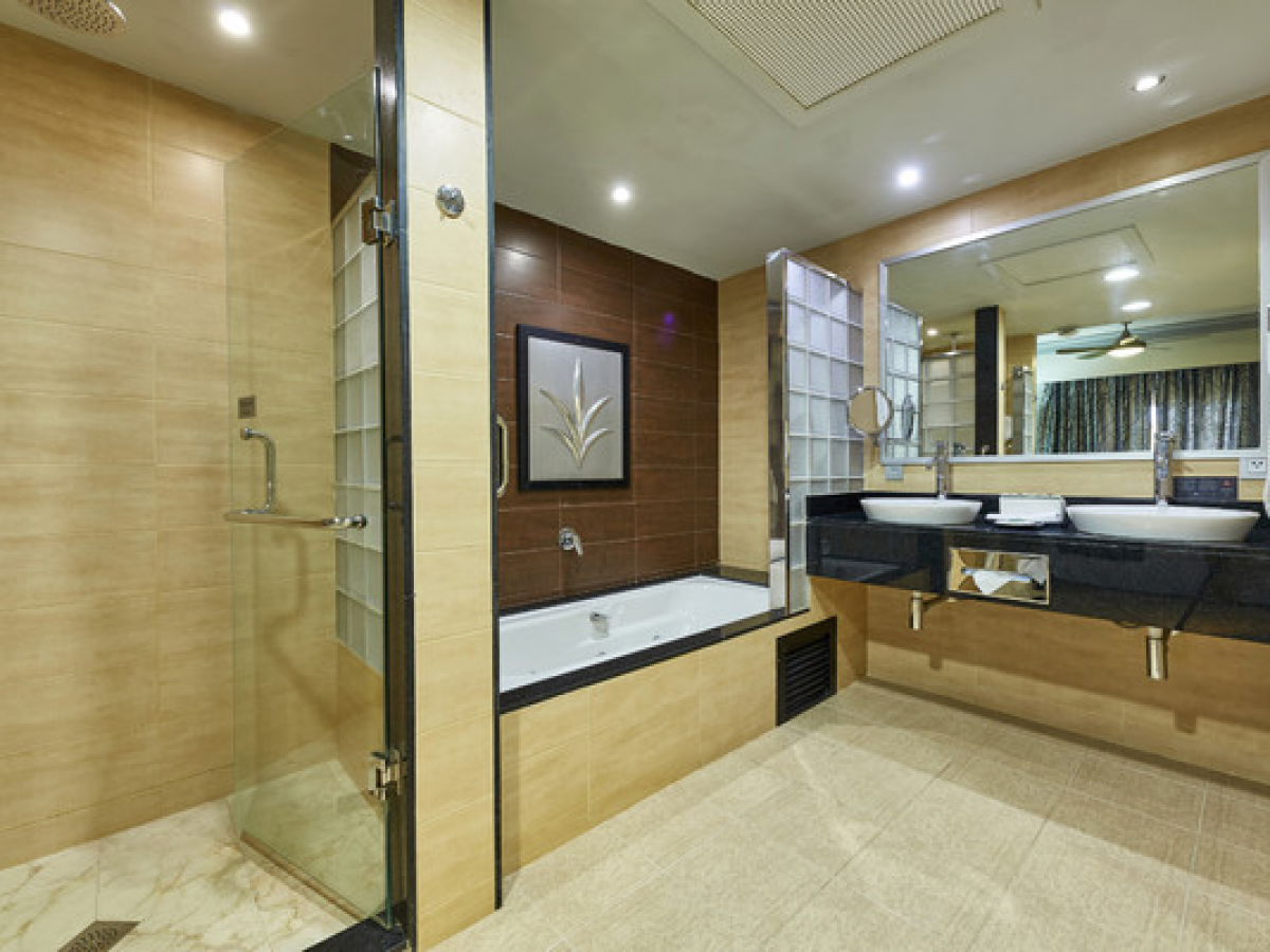 Riu Palace macao Bathroom Suite