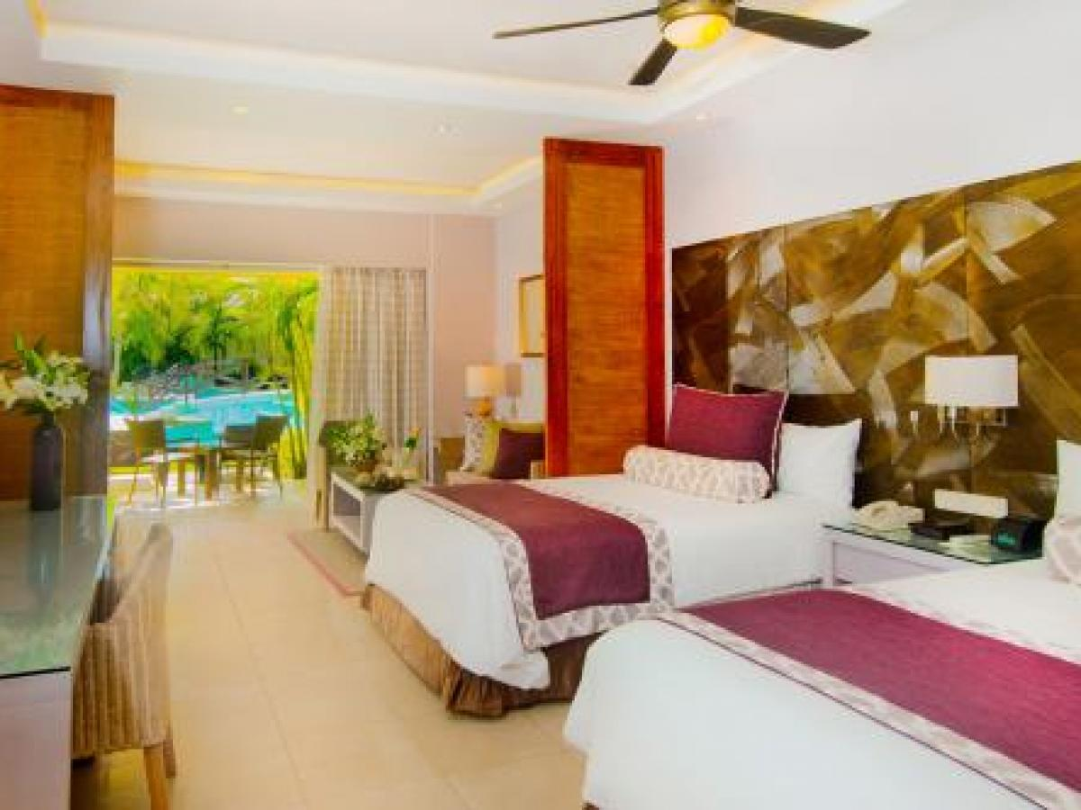Secrets Royal Beach Punta Cana Dominican Republic - Junior Suite Swim Up