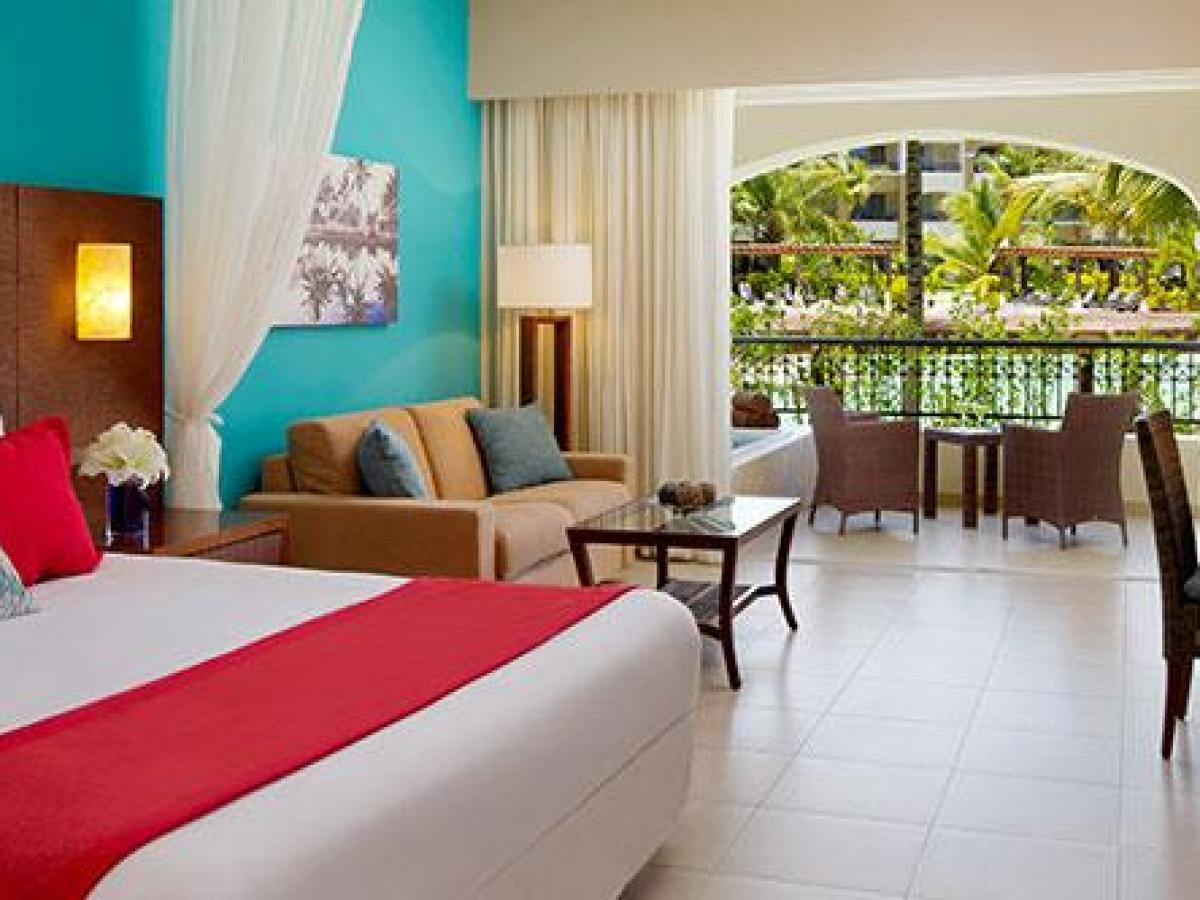 Secrets Royal Beach Punta Cana Dominican Republic - Preferred Club Junior Suite