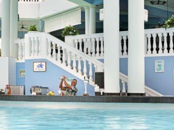Grand Palladium Jamaica Resort & Spa Montego Bay - Blue Lagoon Swim Up Ba