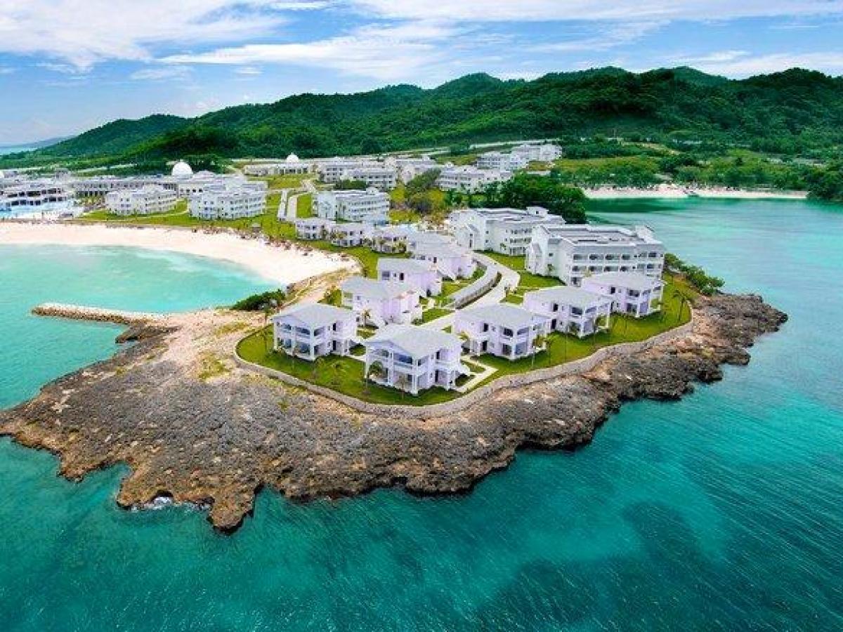 STSVacations  Grand Palladium Lady Hamilton Resort  Spa