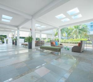 Hilton Rose Hall Resort & Spa Resort - Lobby