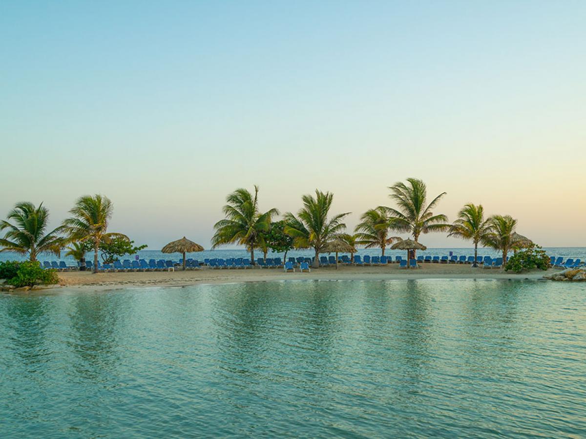 Holiday Inn Resort Montego Bay Jamaica - Beach