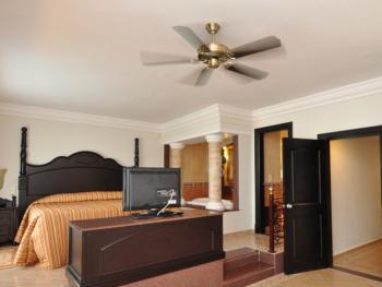 Riu Montego Bay Jamaica - Family Room