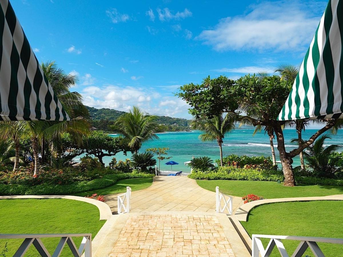 Stsvacations Round Hill Hotel And Villas Resort