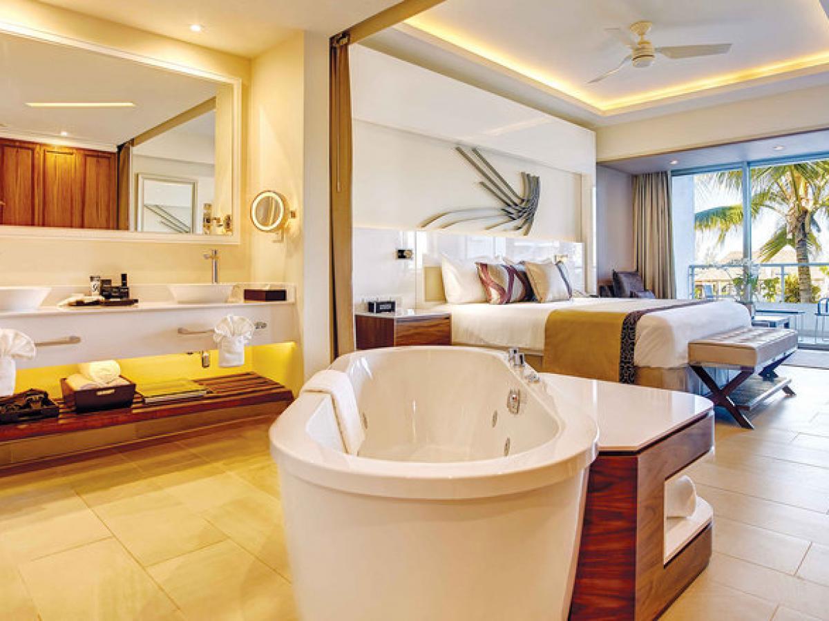 Royalton Blue Waters Montego Bay Jamaica - Luxury Suite Ocean Vi