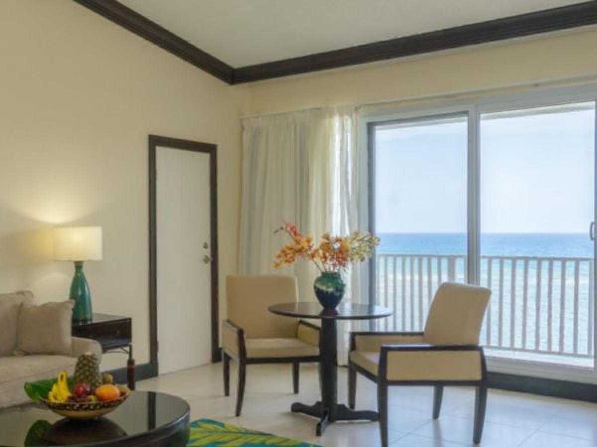 Holiday Inn Resort Montego Bay Jamaica - Rosehall Oceanfront Roo