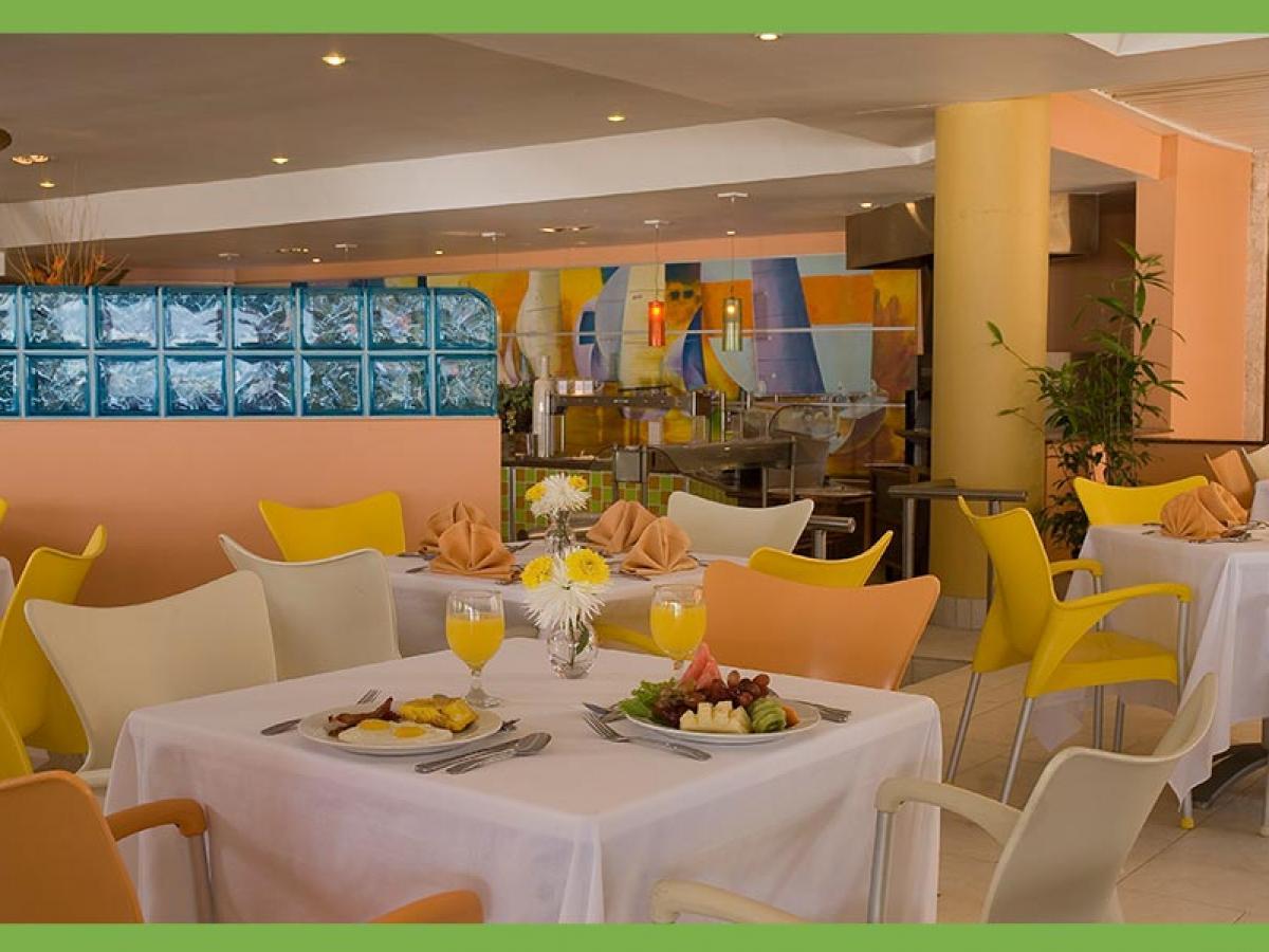 Holiday Inn Resort Montego Bay Jamaica - Portside Buffet Restaur