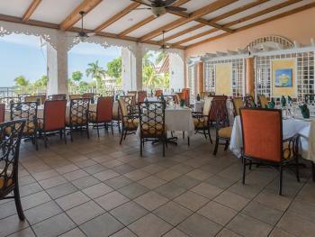 Holiday Inn Resort Montego Bay Jamaica - De Terrace Restaurant