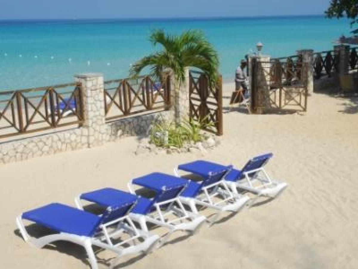 Rondel Village Negril Jamaica - Beach