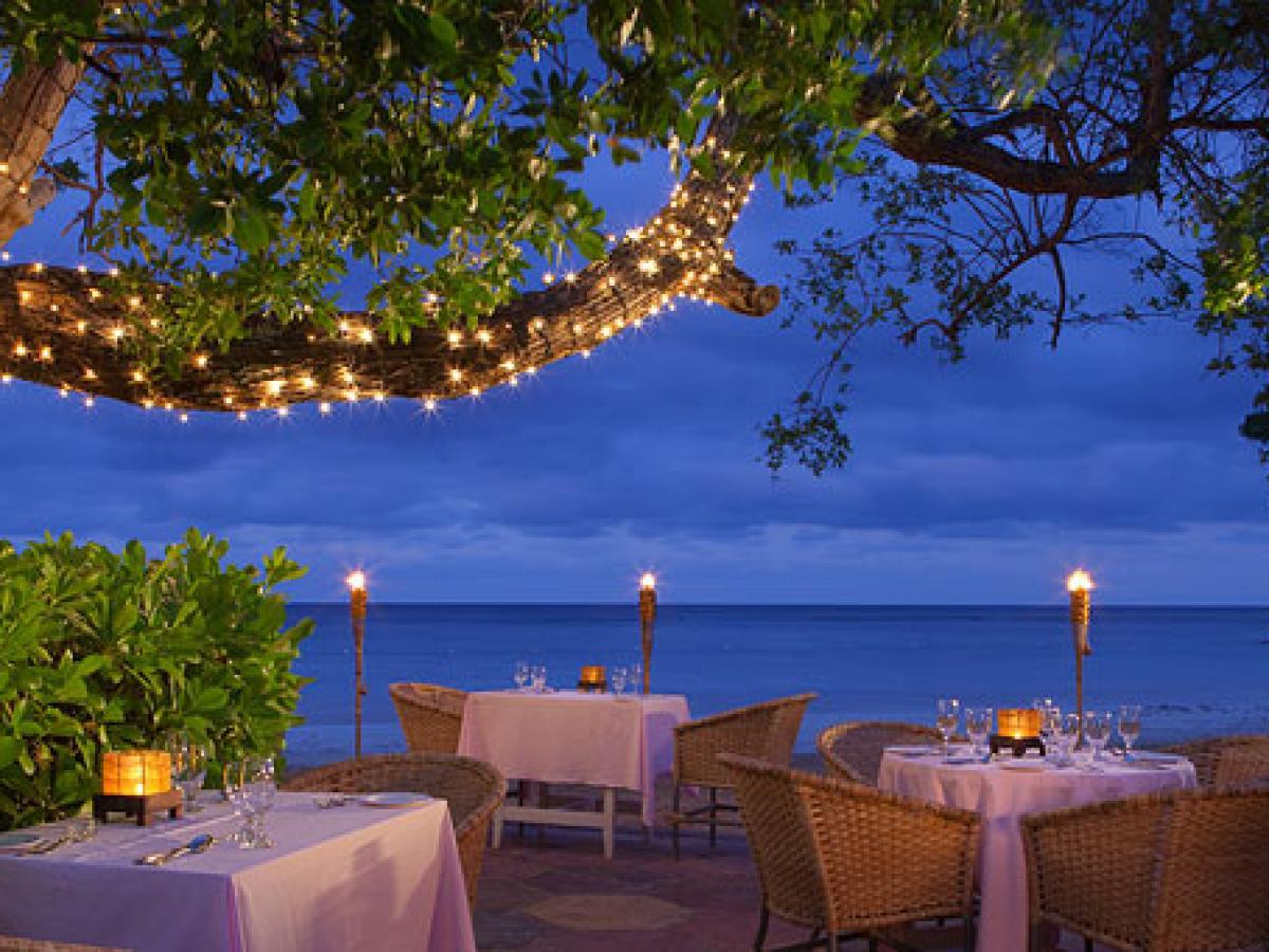 Couples San Souci Ocho Rios Jamaica - Beach Grill & Bella Vista