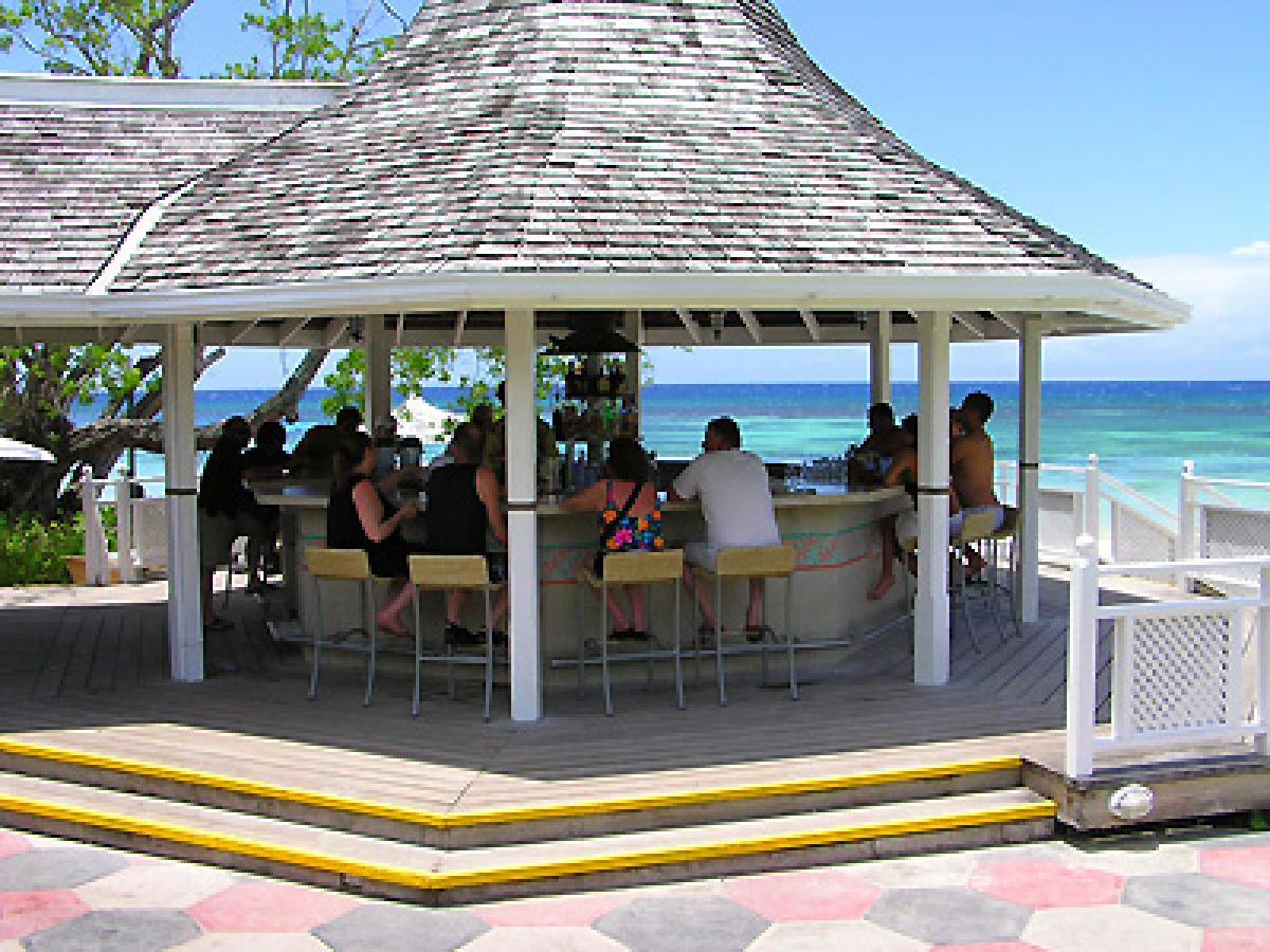 Couples San Souci Ocho Rios Jamaica - Beach Bar