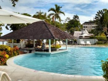 Couples San Souci Ocho Rios Jamaica - Swim Up Bar