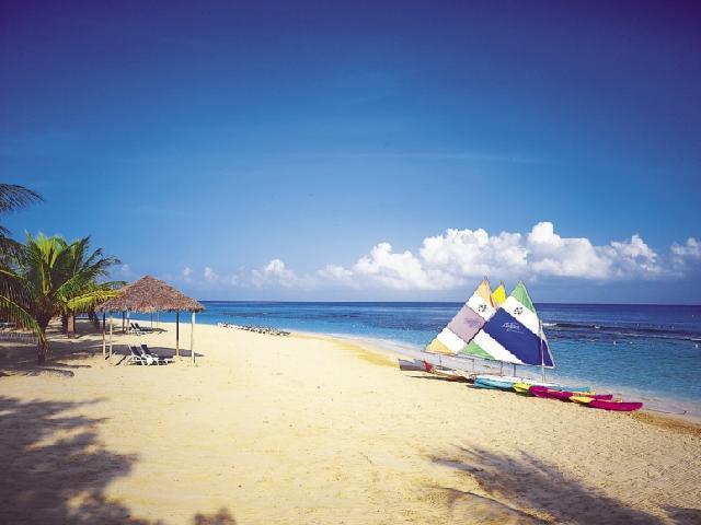 Stsvacations Jewel Runaway Bay Beach Amp Golf Resort