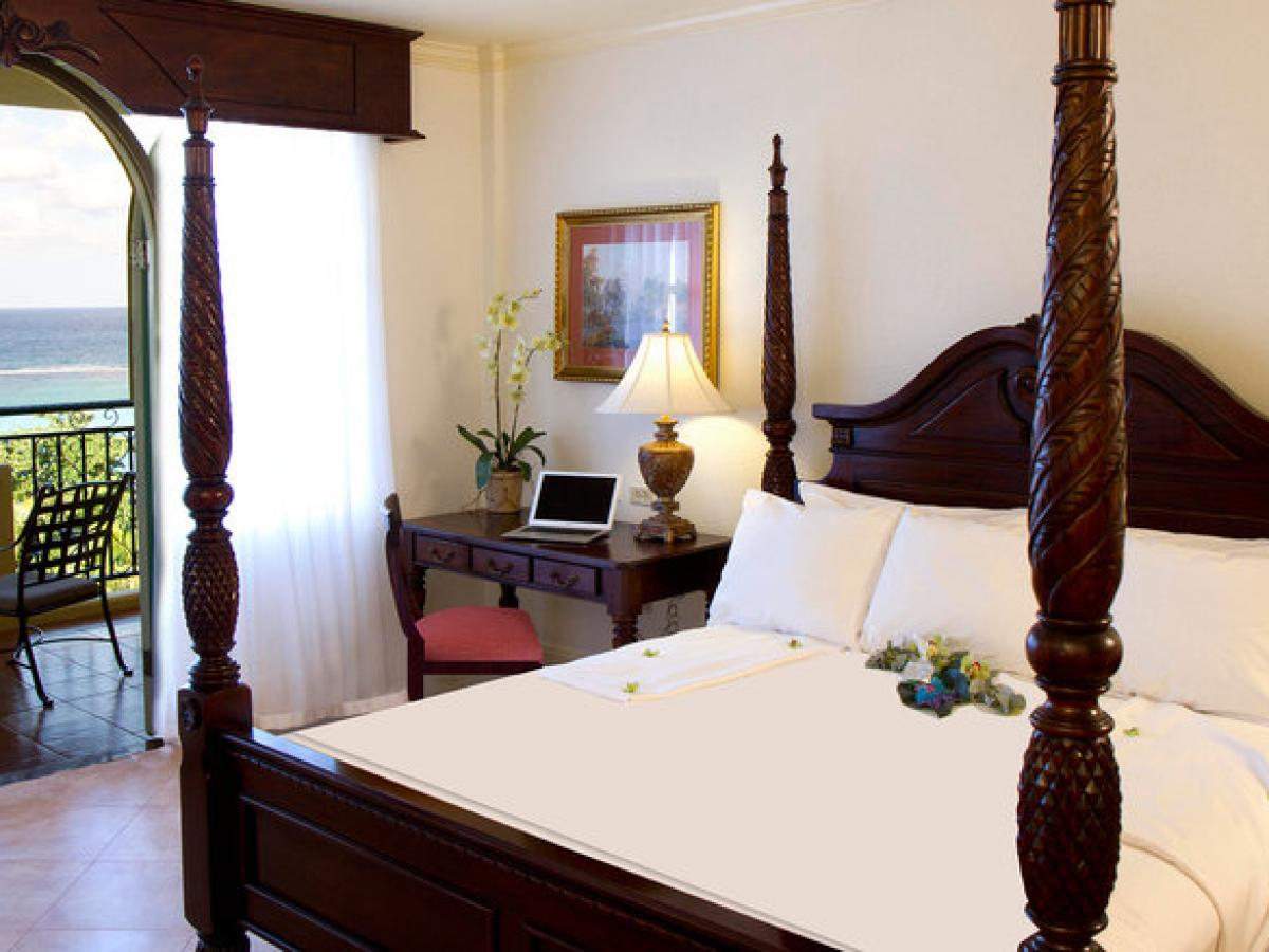 Jewel Dunn's River Beach Resort & Spa Jamaica - Sapphire Ocean V