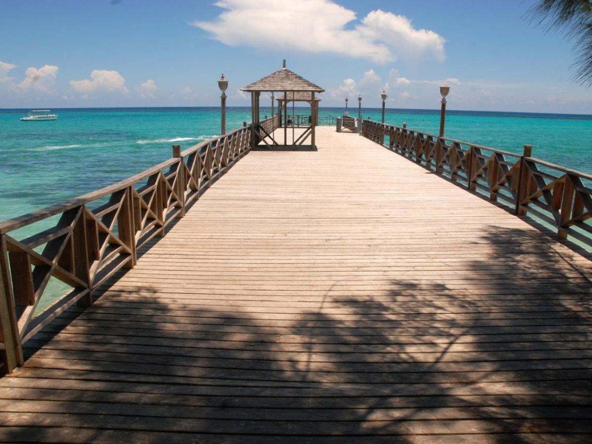 The Jewel Dunn's River Beach Resort & Spa Ocho Rios Jamaica - Pi