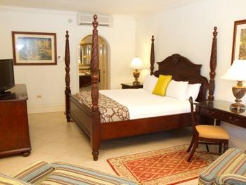 Jewel Dunn's River Beach Resort & Spa Jamaica - Emerald Lanai Gu