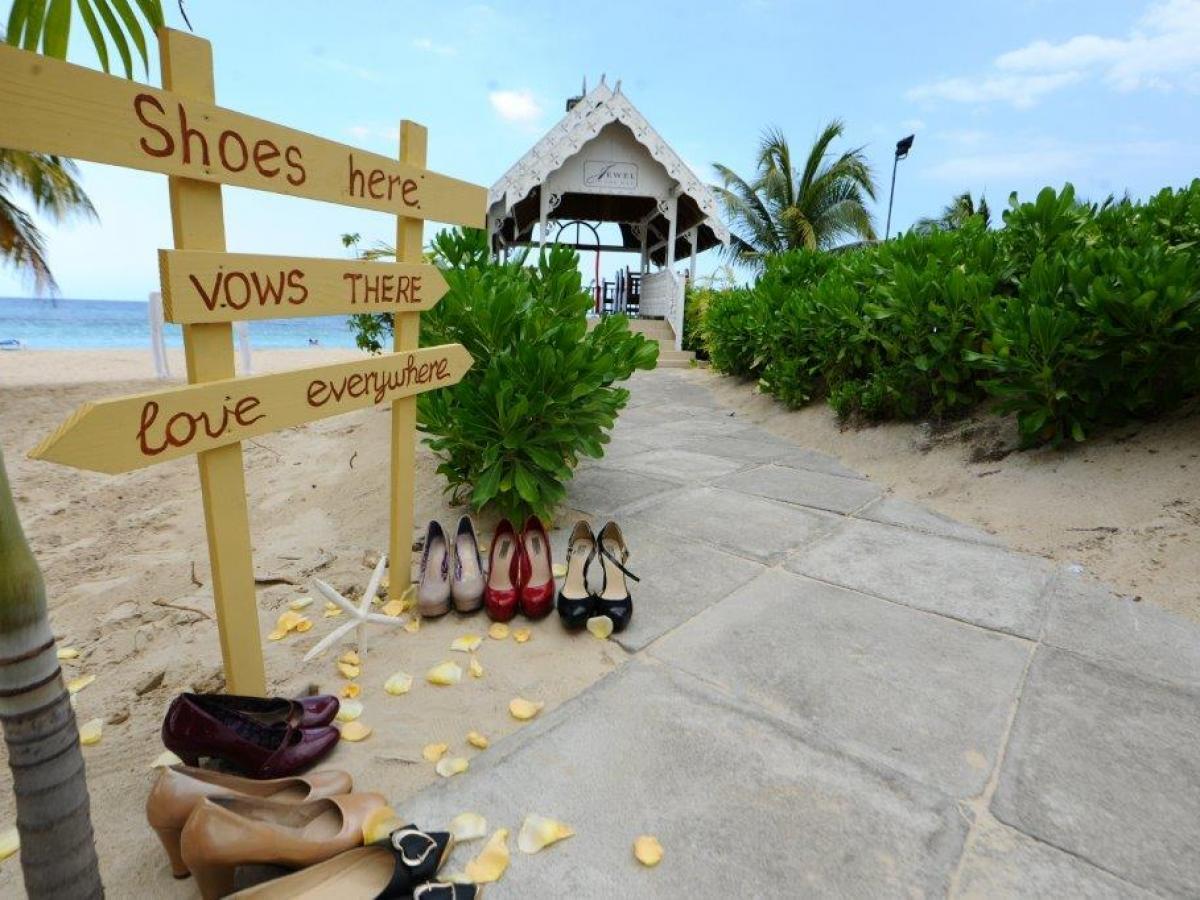 Jewel Runaway Bay Beach Amp Golf Resort