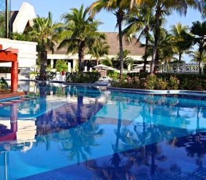 Luxury Bahia Principe Akumal Mexico - Swim Up Bar