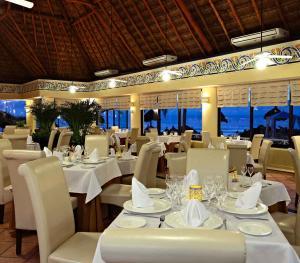 Luxury Bahia Principe Akumal Mexico - Frutos Del Mar